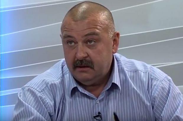 Старший інспектор відділу з питань громадянства, паспортизації та реєстрації Управління державної міграційної служби України в Чернівецькій області Юрій Албулеса