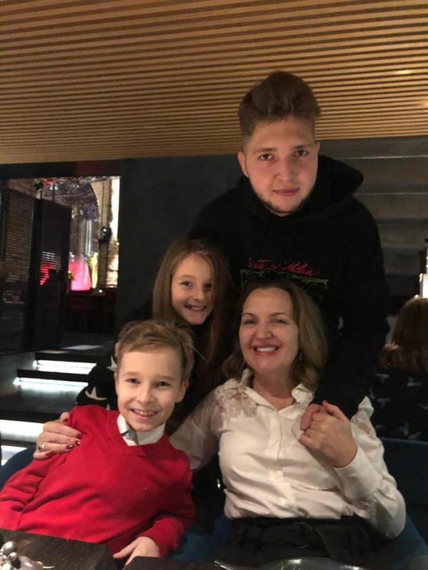 Олена Ковальчук з дітьми