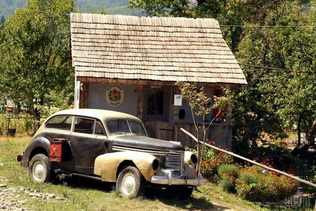 Музей архітектури і побуту «Старе село»